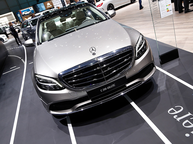 2018日内瓦车展实拍 奔驰新款C级轿车